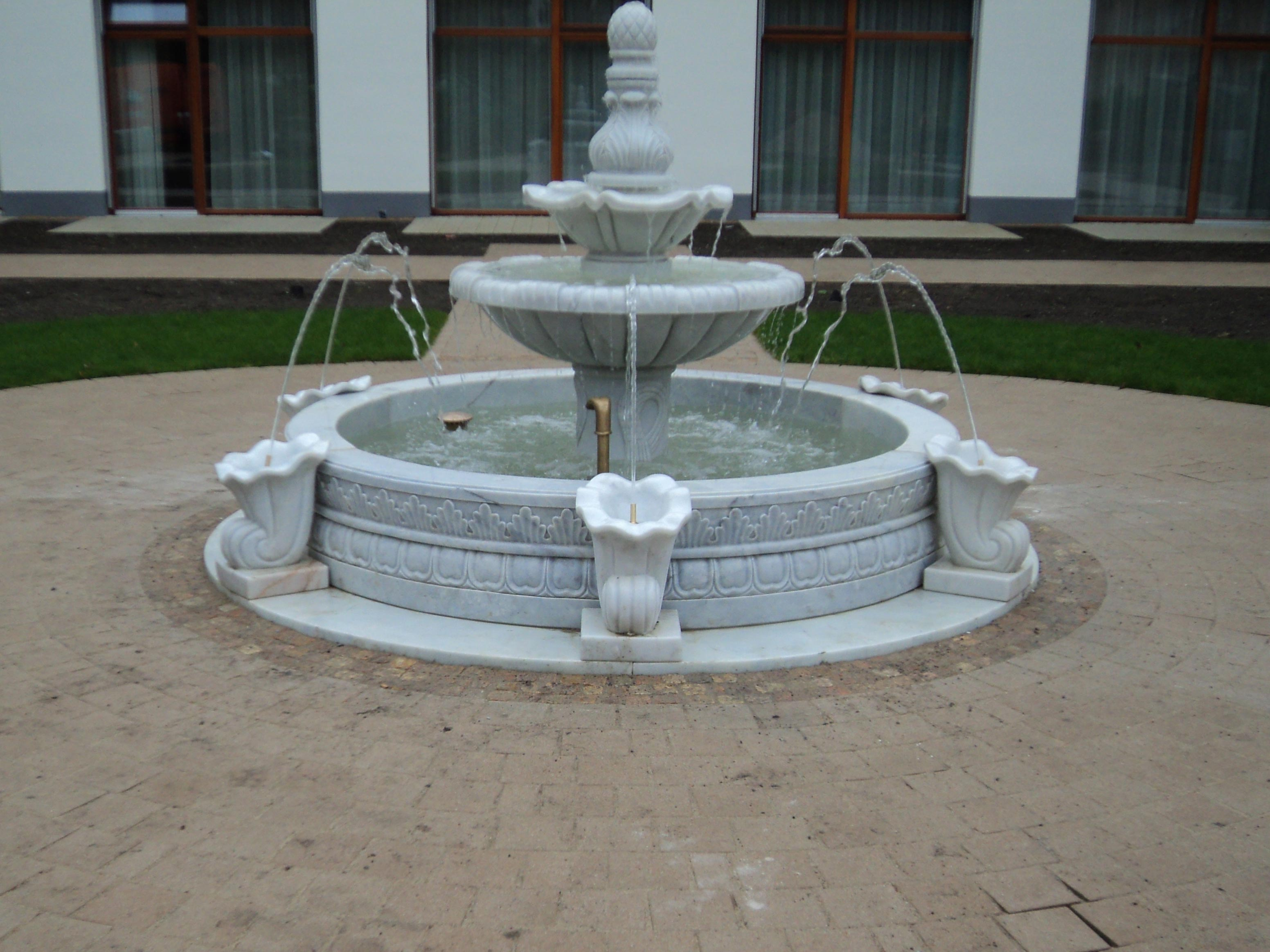 italienischer-kuenstlerbrunnen02_web.jpg