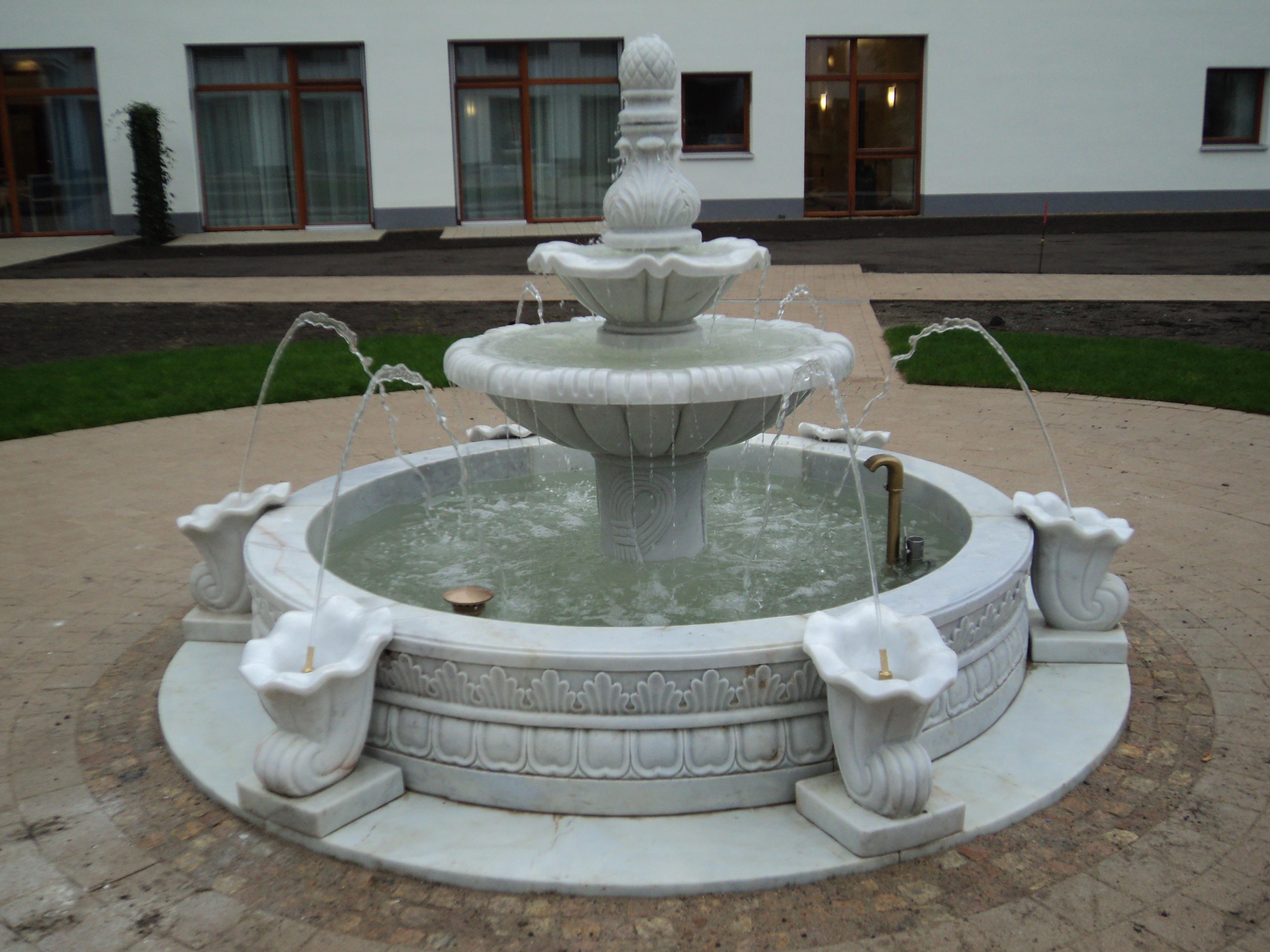 italienischer-kuenstlerbrunnen04_web.jpg