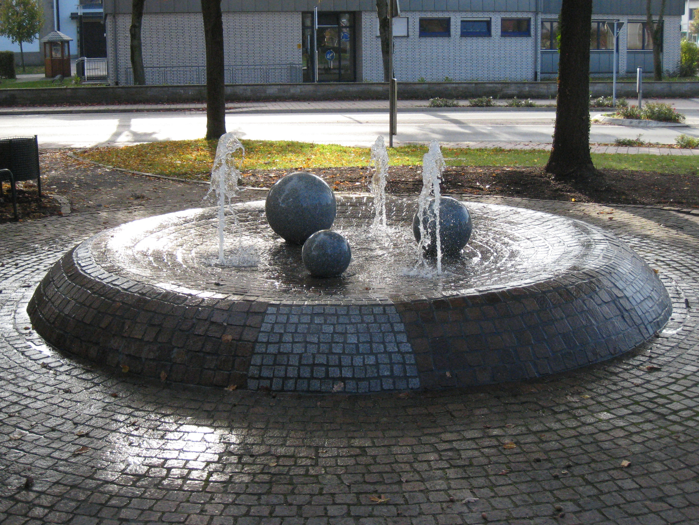 granitkugelbrunnen-bodenduesen3_4x3_web.jpg