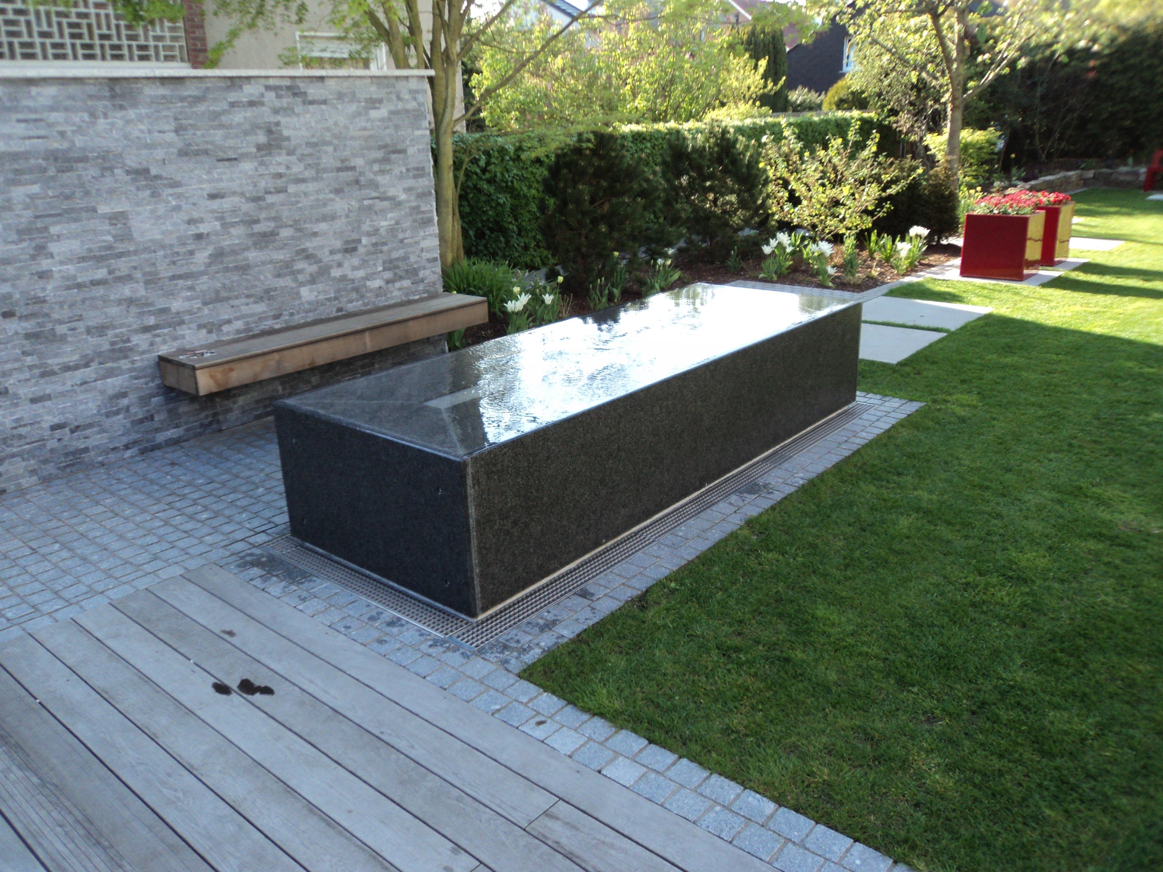 granitwassertisch-wasserablauf04_web.jpg