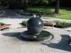 granitkugelbrunnen1_4x3_web.jpg